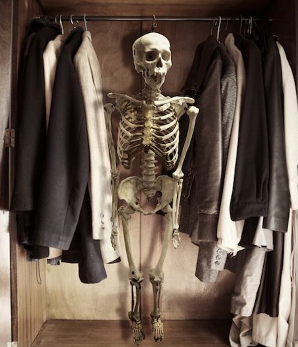 Skeleton In The Closet - a Halloween Alley exclusive!