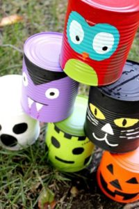 Halloween spray painted tins for decoration DIY