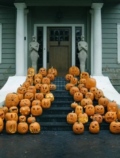 pumpkin carving houses Canada Halloween