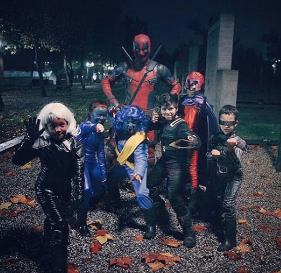 Ryan Reynold's Deadpool costume